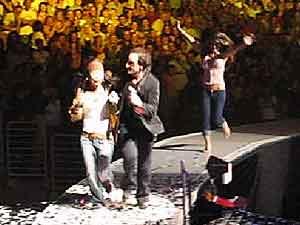 U2-Los_Angeles_4-6-05.jpg